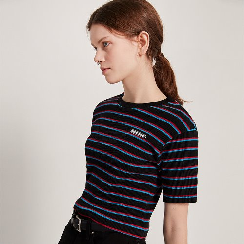 [2/18 예약] MG9S STRIPE LABEL CROP TEE (BLACK)